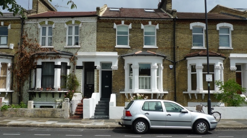 B&B at 17 Homestead Rd, London