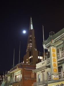Full moon over the Transamerica building